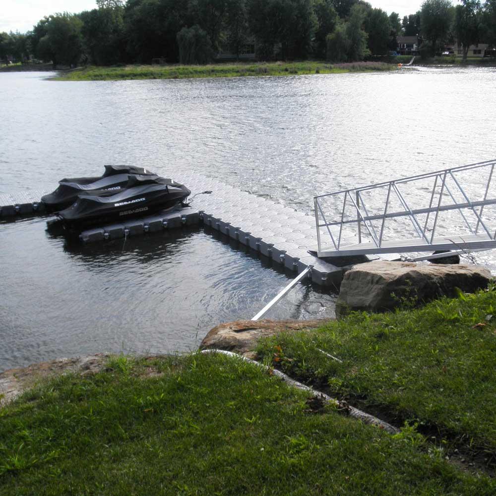 Noleggio pontili e piattaforme galleggianti: perché non sempre è conveniente Candock Italia