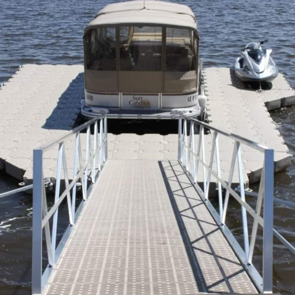 La progettazione di pontili galleggianti e la loro realizzazione Candock Italia